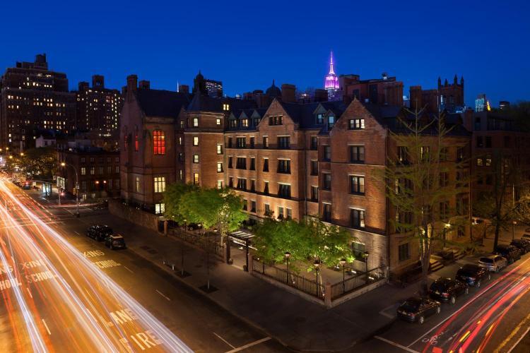 180 Tenth Avenue, New York, 10011, United States.