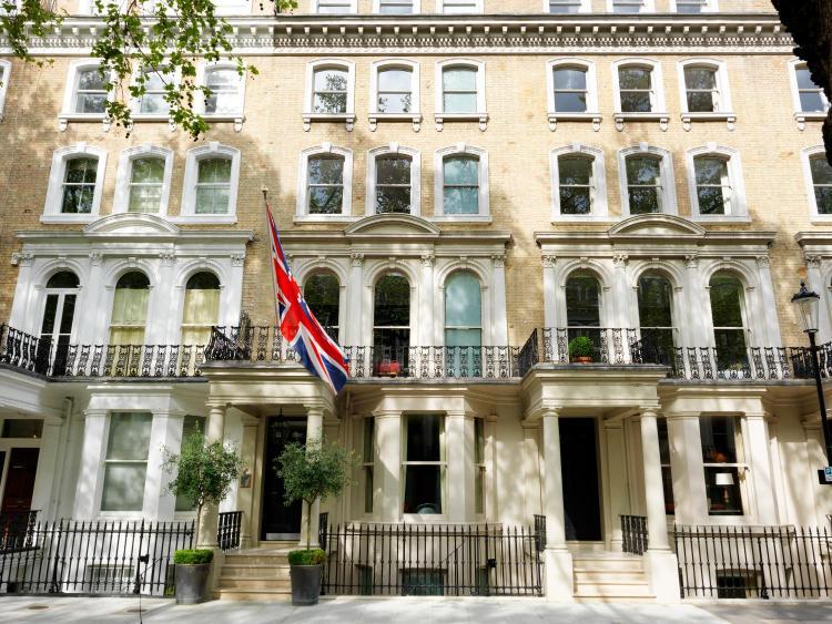 10 Beaufort Gardens, Kensington and Chelsea, London, SW3 1PT, England.
