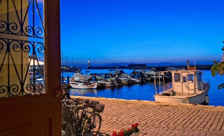 Akti Enoseos 73100, Chania, Crete, Greece.