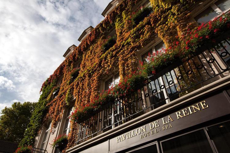 28 Place des Vosges, 75003 Paris, France.