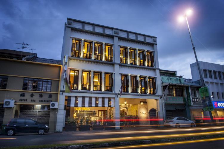 6 & 7 Main Bazaar, 93000 Kuching, Mayalsia.