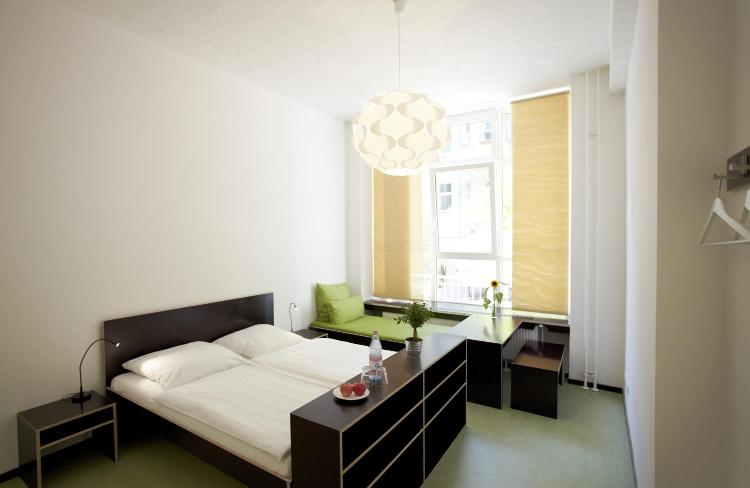 Hobrechtstrasse 65-66, 12047 Berlin, Germany.
