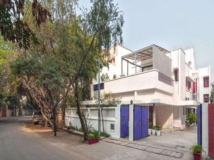 P5, Hauz Khas Enclave, New Delhi, 110016, India.