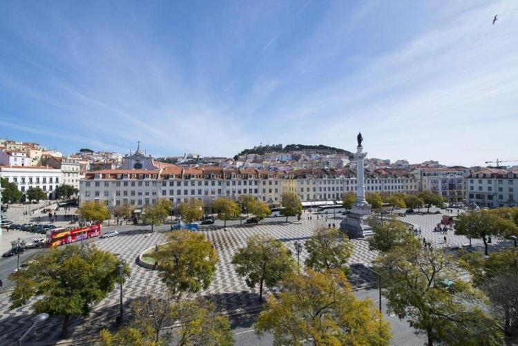 Praca Dom Pedro IV (Rossio Square), 59, 1100-200 Lisbon, Portugal.