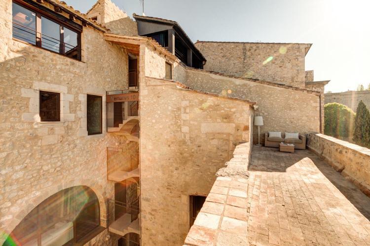 Carrer dels Alemanys 10, 17004 Girona, Spain.