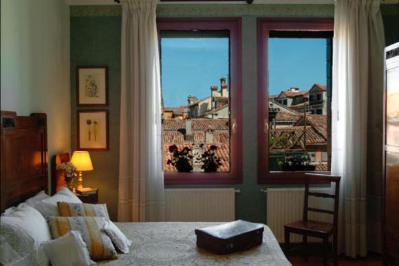 Castello 3385L, Fondamenta San Giorgio degli Schiavoni, Venice, Italy.