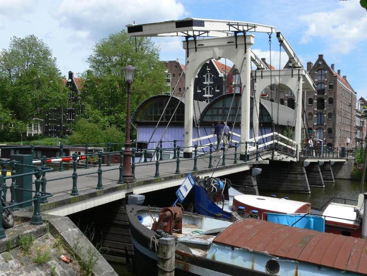 Zoutkeetsgracht 116, 1013 LC Amsterdam.