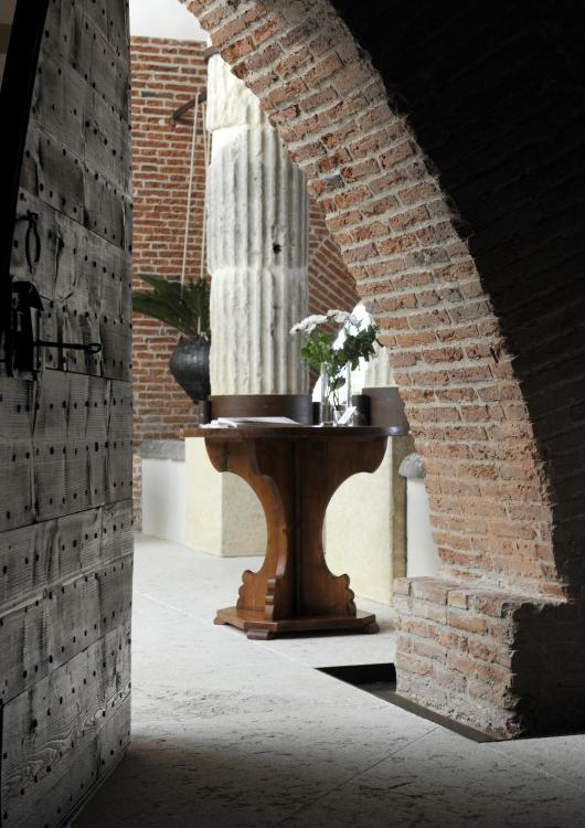 Strada dei Monti 14B, I-37124 Verona, Italy.