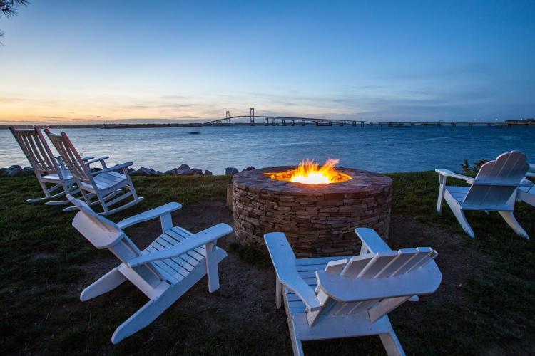 1 Goat Island, Newport, RI 02840, USA.
