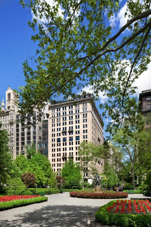 2 Lexington Avenue, New York, 10010, United States.