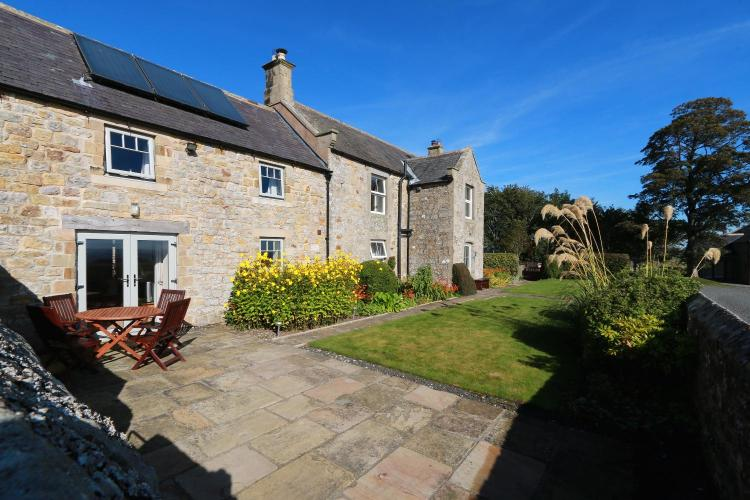 Carraw Farm, Military Road, Humshaugh, Hexham, Northumberland, NE46 4DB, England.