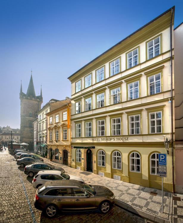 Drazickeho namesti 6, Prague 118 00, Czech Republic.