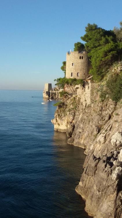 Via Positanesi d'America 3, 84017 Positano, Italy.