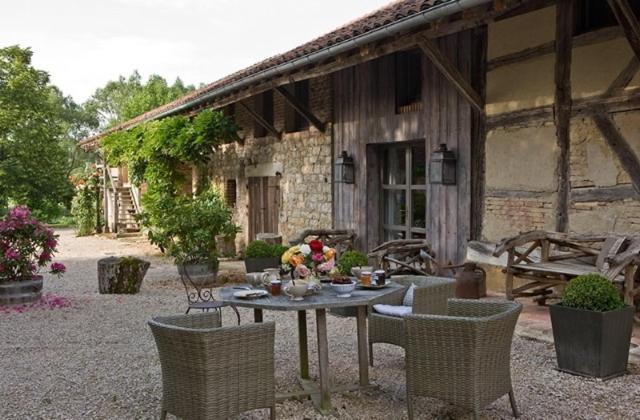 225 allée de Chardenoux, Bruailles, 71500, France.