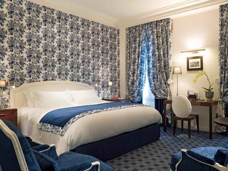 20 Place Bellecour 69002, Lyon, France.