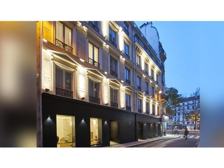 9 Rue Pierre Chausson, 75010 Paris, France.