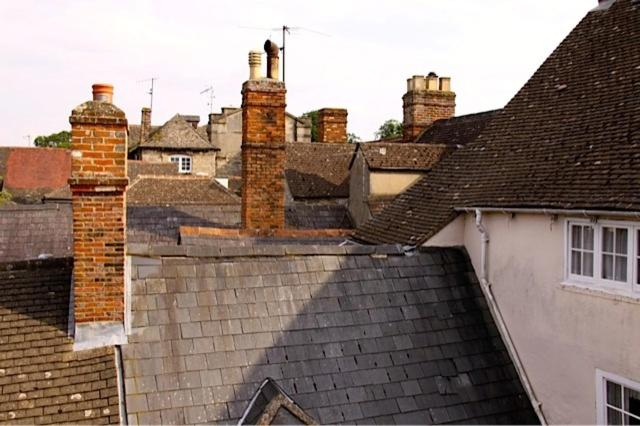 The Glove House, 24 Oxford Street, Woodstock, OX20 1TS, England.