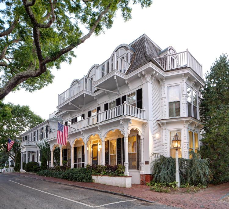 24 S Water St, Edgartown, MA 02539, United States.