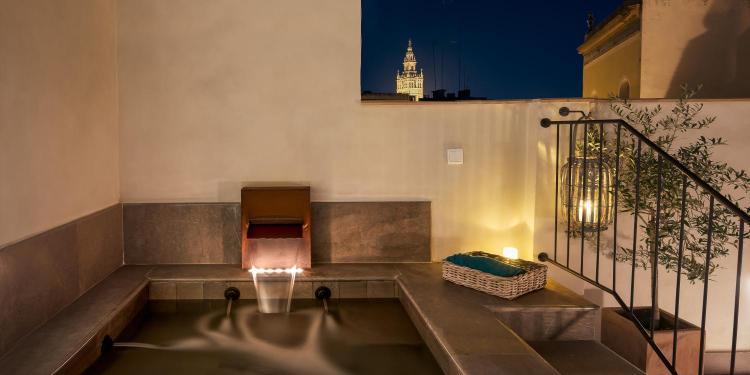 Corral Del Rey 12, Seville, 41004, Spain.