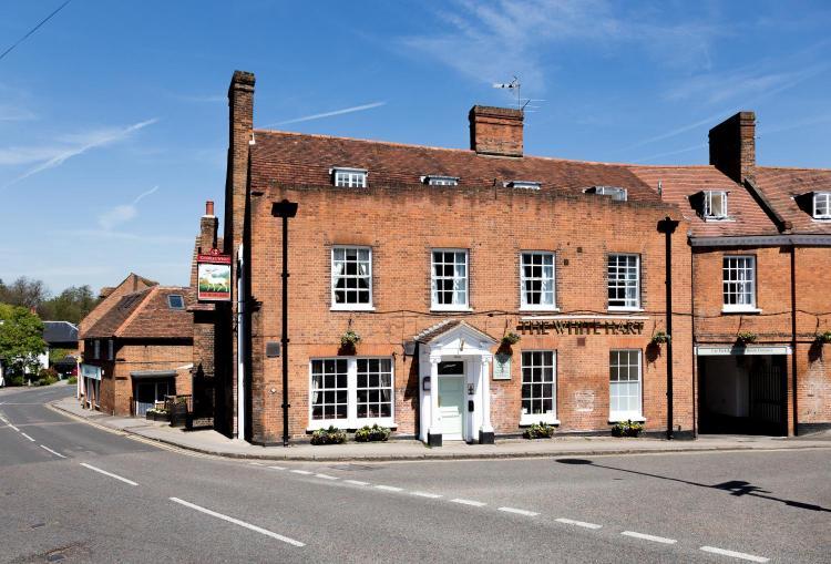 2 Prospect Place, Welwyn, Hertfordshire, AL6 9EN, England.
