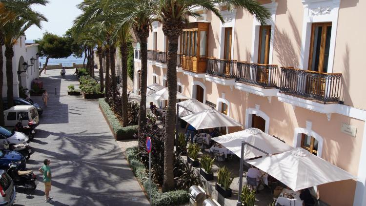 Plaza de España, 4, Dalt Vila, 07800 Ibiza.
