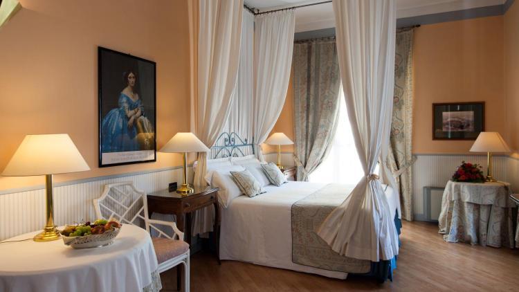 Via Nino Costa, 4, 10123 Turin, Italy.