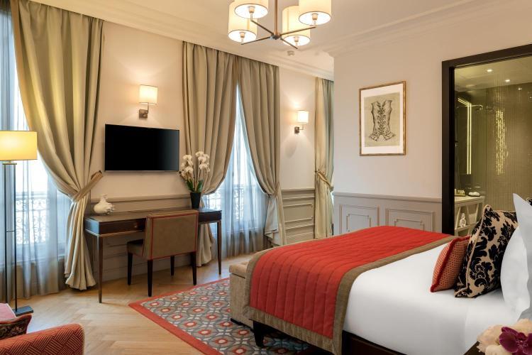 83 Avenue Kléber, 75116 Paris, France.