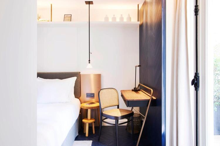 34 rue Jean Mermoz, 75008 Paris, France.