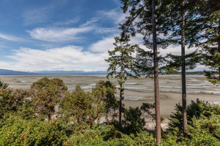 1155 Resort Dr, Parksville, British Columbia, V9P 2E3 Canada.