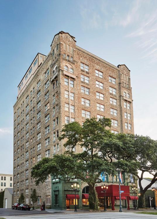2031 St Charles Avenue, New Orleans, Louisiana LA70130, United States.