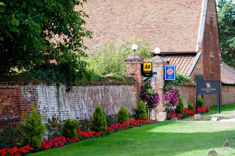 Woodbridge, Suffolk, IP13 6NU, England.
