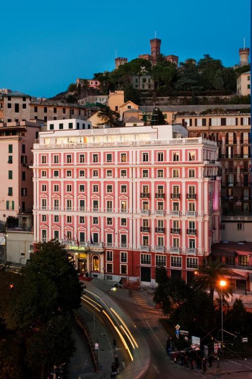 Via Arsenale di Terra 5, 16126 Genova, Italy.