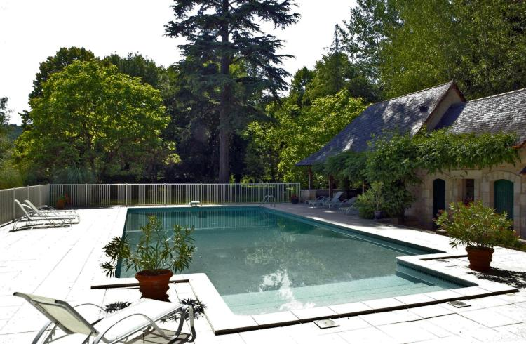 1 Place du verdier, 24570 Condat-sur-Vézère, France.