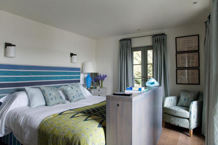 27 Lower Castle Road, St Mawes, Truro TR2 5DR, England.