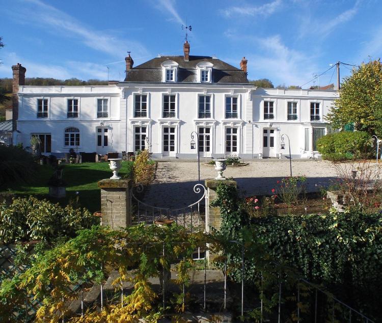 27 Hameau d'Aulnois, 02400 Essômes-sur-Marne, France.