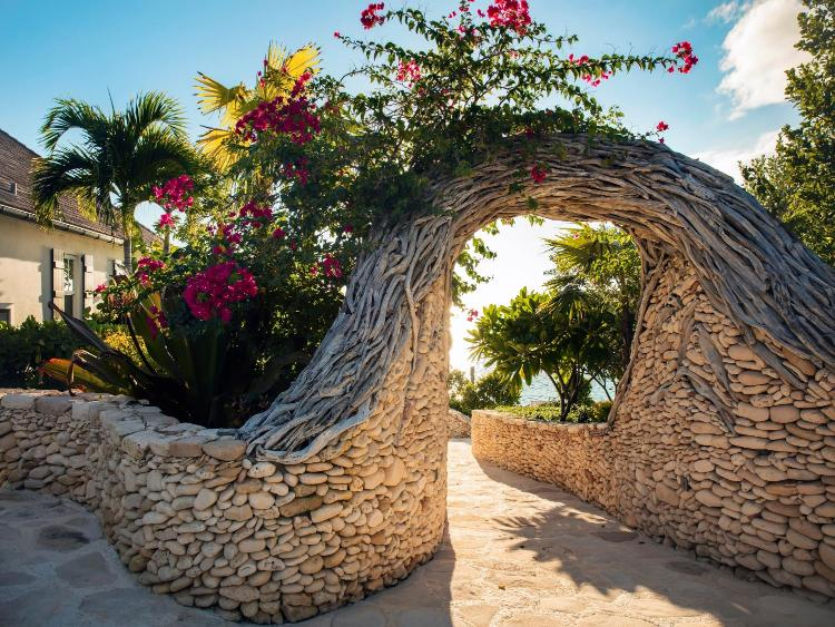 Queen's Highway, Governor's Harbour, Eleuthera, Bahamas.