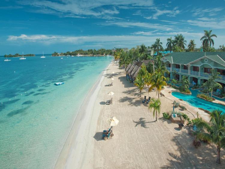 Norman Manley Blvd, Negril, Jamaica.