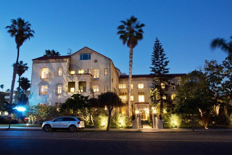 1001 3rd St, Santa Monica, CA 90403, USA.