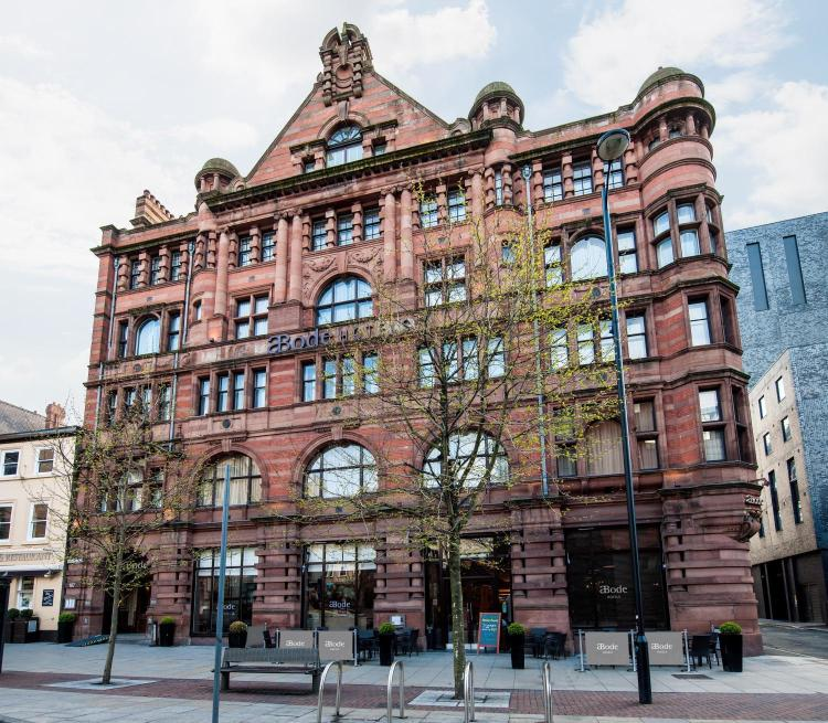107 Piccadilly, Manchester M1 2BD, England.