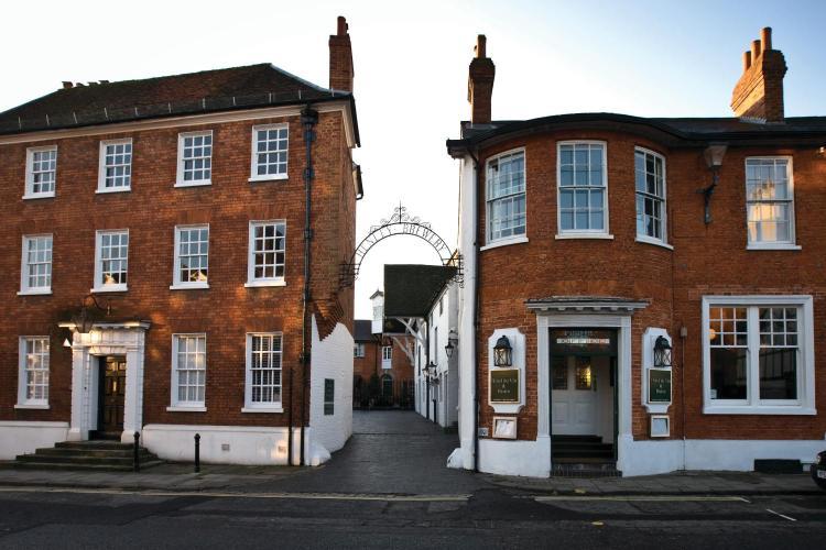 New Street, Henley-On-Thames, RG9 2BP, England.