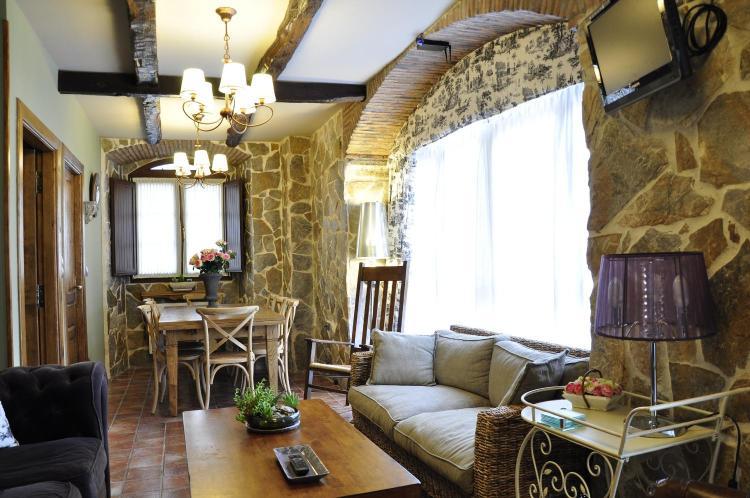 Barrio Regules 3, 39808 Regules, Cantabria, Spain.