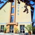 Hotel Luna Budapest - фотографії готелю та кімнати