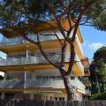 Castelldefels Playa - хотел и стая снимки