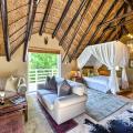 Ikhaya Safari Lodge salas fotos