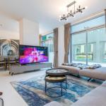 Fantastay Exotic 3 Bdr Duplex Villa with Fountain Views in Downtown Dubai - thumbnail 12