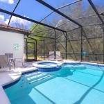 Newly Remodeled 1 story - 5 Bed 5 Bath with Pvt Pool Spa And Game Room - thumbnail 12