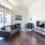 LA Escapes Apartments/ Bel Air