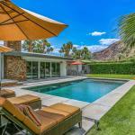Palm Springs Luxury Retreat