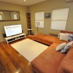 Glebe Self-Contained Modern One-Bedroom Apartment (47ROS) - thumbnail 12