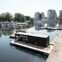Ботели, Unique floating houseboat by easyBNB